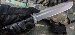 Survivalist Z - D2 Steel Knife